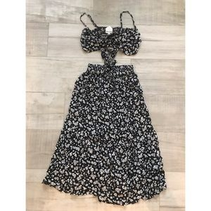 Beautiful two piece daisy set
